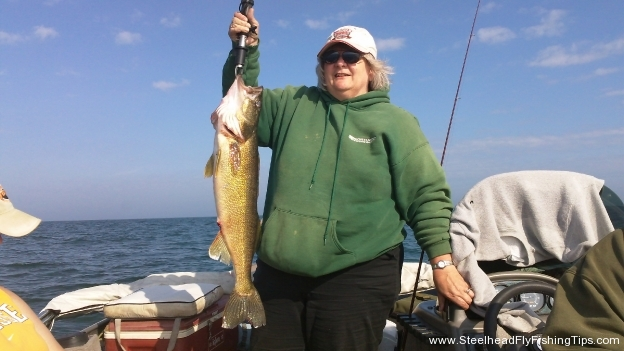My Mom\'s 9lb Walleye 2011